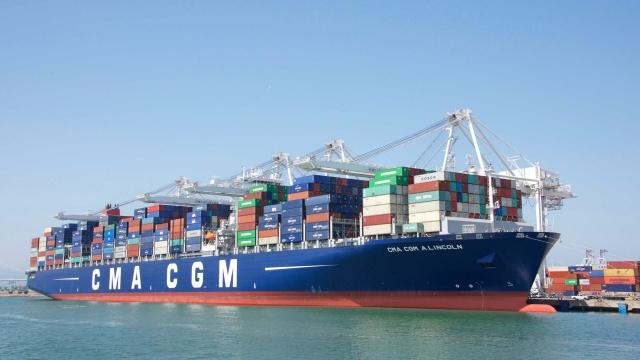 CMA CGM quyết định dừng tất cả các đợt tăng giá cước giao ngay đến đầu năm 2022
